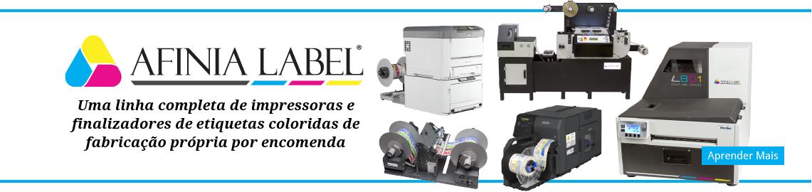 Uma linha completa interna de impressoras e máquinas de acabamento de etiquetas a cores à disposição